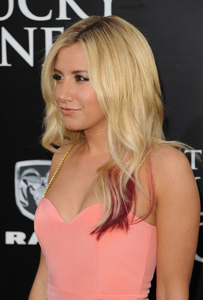 Ashley Tisdale - Red Carpet at 'The Lucky One' Premiere