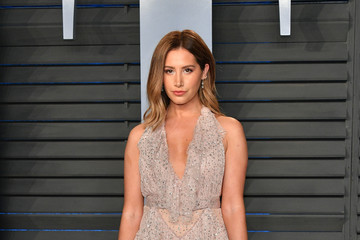 Ashley Tisdale 2018 Vanity Fair Oscar Party Hosted By Radhika Jones - Arrivals