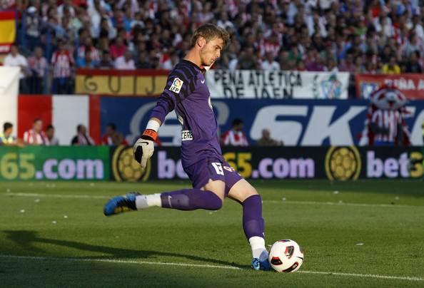 David de Gea of Atletico Madrid in action during the La Liga match between Atletico Madrid and Barcelona at Vicente Calderon Stadium on September 19, 2010 in Madrid, Spain.