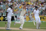 Peter Siddle Michael Carberry Photos Photo