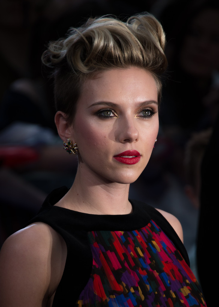 "Scarlett Johansson Photos Photos - ""The Avengers: Age Of ..."