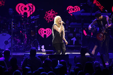 Avril Lavigne Performances at the Jingle Ball in Miami