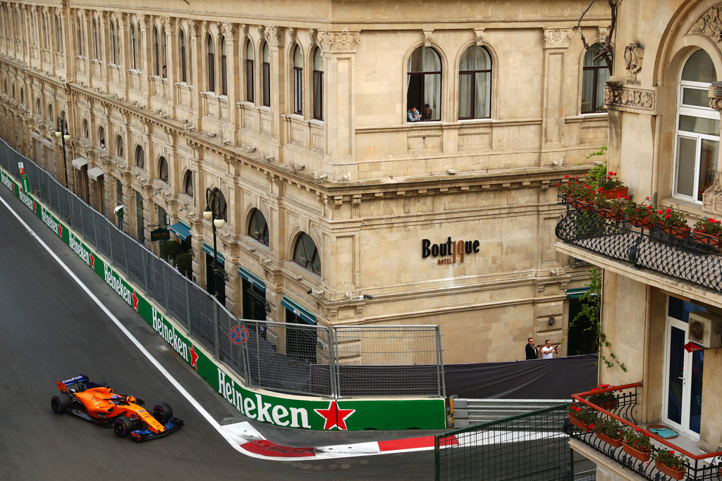 [Imagen: Azerbaijan+F1+Grand+Prix+Qualifying+Mg5SKRL94Xyx.jpg]