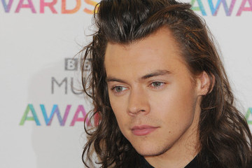 Brace Yourselves, Harry Styles' New Haircut Has Finally Been Revealed