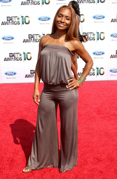 Singer Rozonda 'Chilli' Thomas arrives at the 2010 BET Awards held at the Shrine Auditorium on June 27, 2010 in Los Angeles, California.