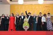 """(FromL) US producer Kristie Macosko, US producer Frank Marshall, US producer Kathleen Kennedy, US actress Kate Capshaw, US director Steven Spielberg, US actress Ruby Barnhill, British actor Mark Rylance and his wife British composer Claire van Kampen, British screenwriter Lucy Dahl, British actress Penelope Wilton and British actress Rebecca Hall pose on May 14, 2016 as they arrive for the screening of the film """"The BFG"""" at the 69th Cannes Film Festival in Cannes, southern France. . / AFP / Valery HACHE"""