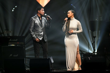 Babyface Keep Memory Alive Honors Neil Diamond At 24th Annual Power Of Love®  - Inside