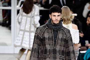 Baptiste Giabiconi Chanel : Runway - Paris Fashion Week Womenswear Fall/Winter 2016/2017