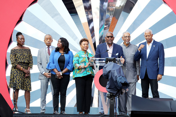 Global Citizen Festival: Mandela 100 - Show [event,stage equipment,award,technology,award ceremony,employment,electronic device,tourism,competition,team,gregory meeks,stage,johannesburg,south africa,fnb stadium,global citizen festival: mandela 100 - show]