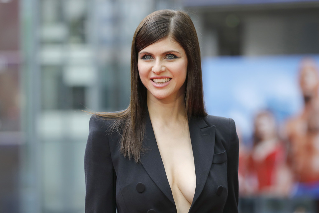 Alexandra Daddario Photos Photos - 'Baywatch' Photo Call ...