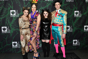 Beanie Feldstein Bette Midler's 2017 Hulaween Event Benefiting The New York Restoration Project - Arrivals