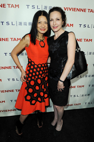 bebe neuwirth dating With mary-louise parker, peter gallagher, bebe neuwirth, philip bosco cate has a small boutique where she sells vintage clothes she is dating some snob whose mother thinks that cate is a second class citizen because of her line of work.
