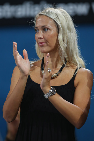 Bec Hewitt Net Worth