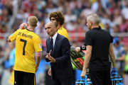 Roberto Martinez, Head coach of Belgium issues instructions to Kevin De Bruyne during the 2018 FIFA World Cup Russia group G match between Belgium and Tunisia at Spartak Stadium on June 23, 2018 in Moscow, Russia.