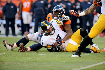 Ben Roethlisberger Antonio Smith Divisional Round - Pittsburgh Steelers v Denver Broncos