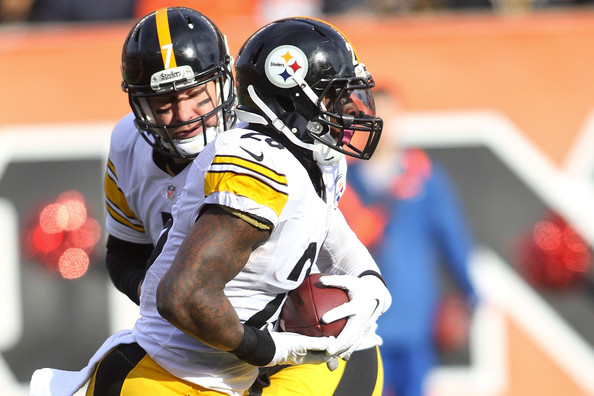 Ben Roethlisberger and Le'Veon Bell - Pittsburgh Steelers v Cincinnati Bengals