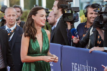 Berenice Bejo Tribute to Robert Pattinson and 'Good Time' Premiere  - 43rd Deauville American Film Festival