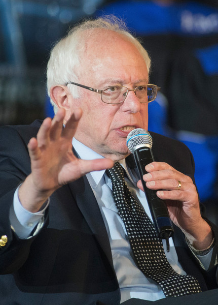 Democratic Presidential Candidate Bernie Sanders Attends Rainbow PUSH Coalition Weekly Forum