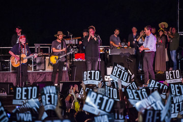 Beto O'Rourke Willie Nelson Joins Beto O'Rourke At Campaign Rally