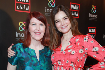 Betsy Brandt Good For A Laugh Comedy Fundraiser To Support Children Affected By War
