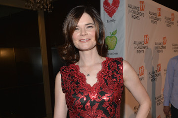 Betsy Brandt Arrivals at the Alliance for Children's Rights Dinner
