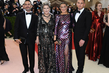 Bette Midler Sophie von Haselberg 'Manus x Machina: Fashion In An Age of Technology' Costume Institute Gala - Arrivals