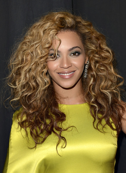 http://www1.pictures.zimbio.com/gi/Beyonce+Knowles+2012+BET+Awards+Roaming+Inside+V73NIwGFdK1l.jpg