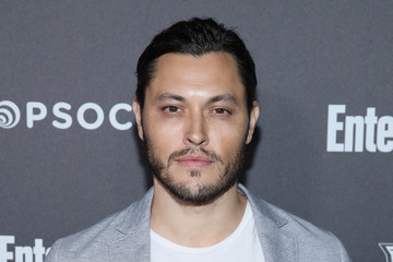 Blair Redford Entertainment Weekly Celebrates Screen Actors Guild Award Nominees At Chateau Marmont Sponsored By L'Oréal Paris, Cadillac, And PopSockets - Arrivals