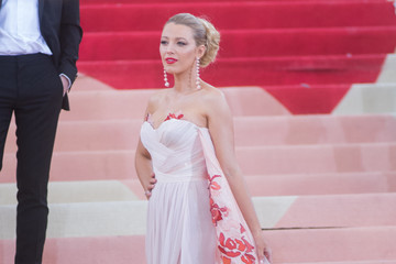 Blake Lively 'Manus x Machina: Fashion In An Age of Technology' Costume Institute Gala - Outside Arrivals
