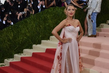 Blake Lively 'Manus x Machina: Fashion in an Age of Technology' Costume Institute Gala