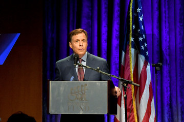 Bob Costas 32nd Annual Great Sports Legends Dinner to Benefit the Miami Project/Buoniconti Fund to Cure Paralysis - Dinner