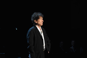 Bob Dylan MusiCares Person Of The Year Tribute To Bob Dylan - Roaming Show