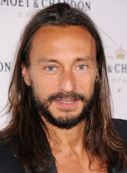 The 47-year old son of father (?) and mother(?), 177 cm tall Bob Sinclar in 2017 photo
