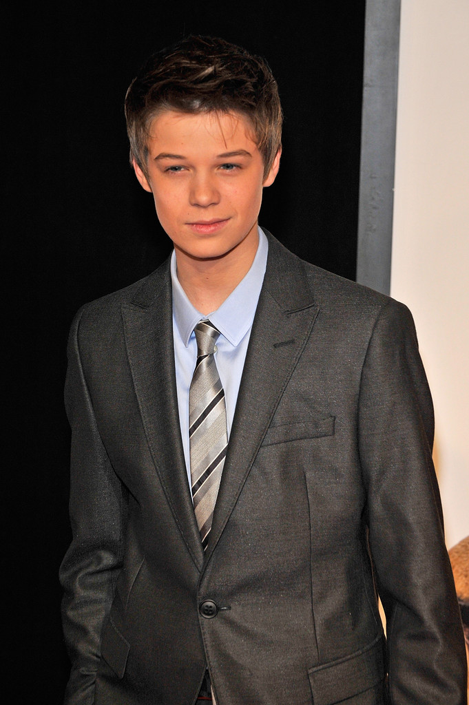 "Mike Jones Ford >> Colin Ford Photos Photos - ""We Bought A Zoo"" Premiere - Outside Arrivals - Zimbio"
