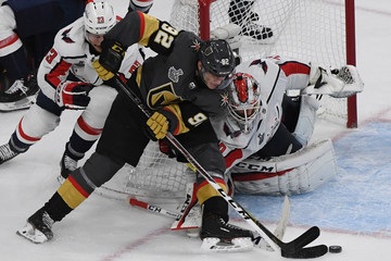 Braden Holtby Tomas Nosek 2018 NHL Stanley Cup Final - Game One