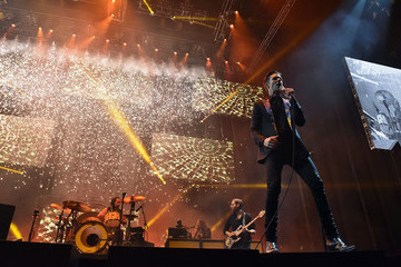 Brandon Flowers Ronnie Vannucci Jr The Killers with Wayne Newton Perform at Grand Opening of T-Mobile Arena