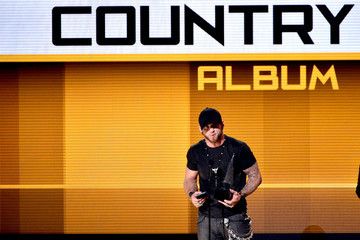 Brantley Gilbert American Music Awards Show