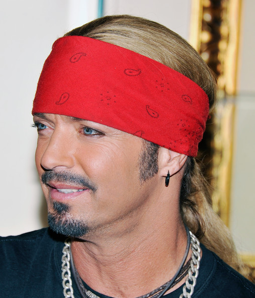 bret michaels pictures bret michaels 39 guitar donation. Black Bedroom Furniture Sets. Home Design Ideas