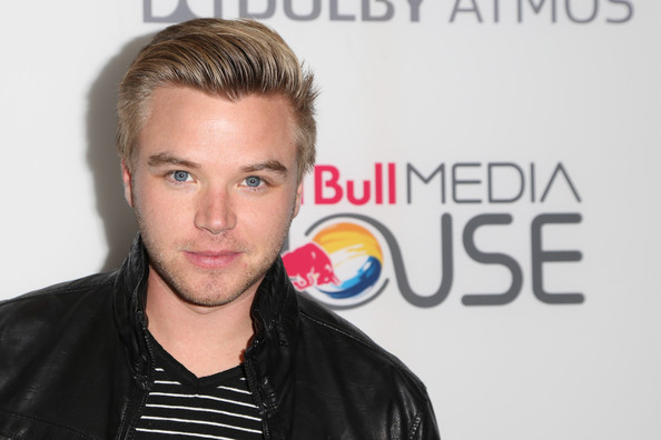 brett davern dating Long beach, calif (ap) — brett davern finished second last year in the toyota pro/celebrity race at long beach and was hooked he called everybody he knew i.
