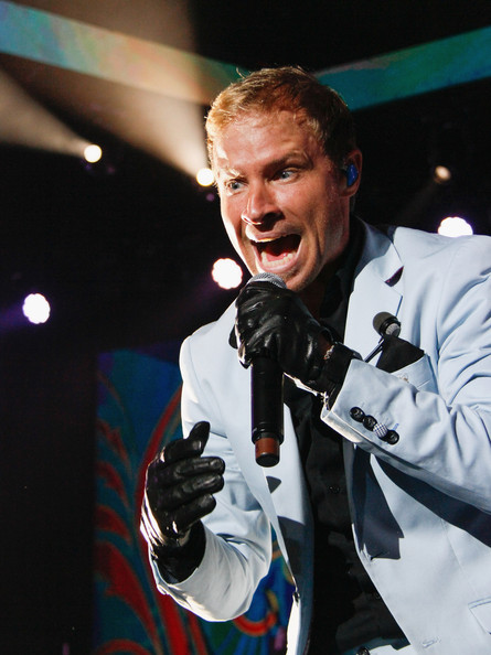 brian littrell pictures the backstreet boys perform in