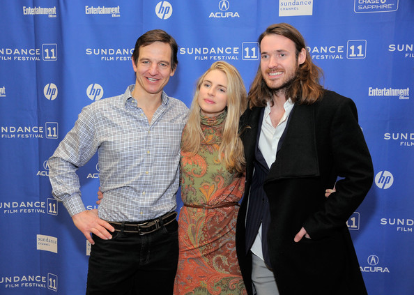 http://www1.pictures.zimbio.com/gi/Brit+Marling+Another+Earth+Premiere+2011+Sundance+bzM2qol9ZInl.jpg