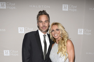 Britney Spears Jason Trawick City Of Hope Honors Halston CEO Ben Malka With Spirit Of Life Award - Red Carpet
