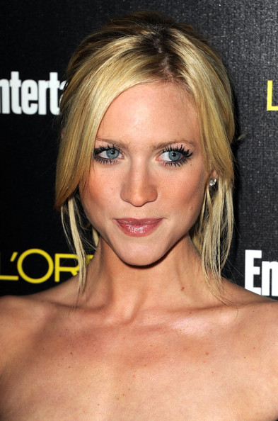http://www1.pictures.zimbio.com/gi/Brittany+Snow+Entertainment+Weekly+17th+Annual+VhEmV_0xnbll.jpg