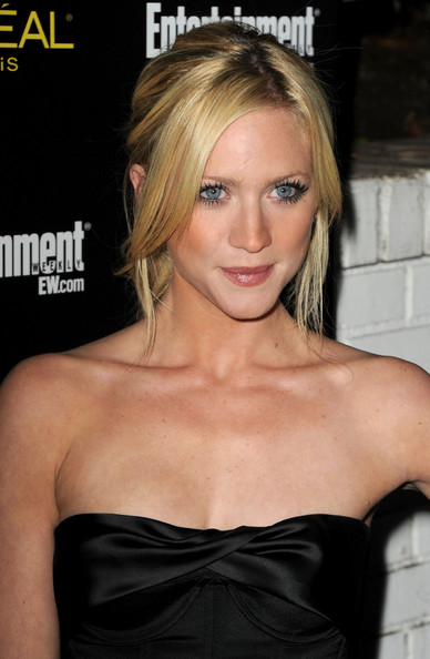http://www1.pictures.zimbio.com/gi/Brittany+Snow+Entertainment+Weekly+17th+Annual+lcuMfguu3lZl.jpg