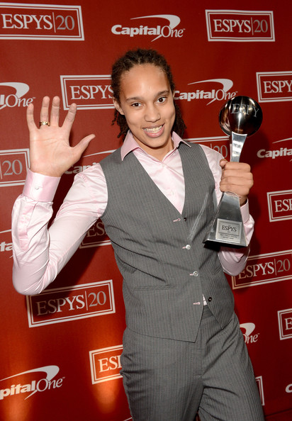 "Sport Science report: female with hand size 9.0'' x 9.5'' & wingspan 7'3.5""... profession??? Brittney+Griner+2012+ESPY+Awards+Backstage+0OEwMoQ74E5l"