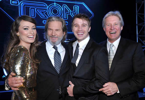 "Bruce Boxleitner (L-R) Actors Olivia Wilde, Jeff Bridges, Garrett Hedlund and Bruce Boxleitner arrives at Walt Disney's ""TRON: Legacy"" World Premiere held at the El Capitan Theatre on December 11, 2010 in Los Angeles, California."