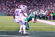 Quarterback Josh McCown #15 of the New York Jets scores a touchdown against the Buffalo Bills during the first quarter of the game at MetLife Stadium on November 2, 2017 in East Rutherford, New Jersey.