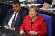 German Chancellor and leader of the German Christian Democrats (CDU) Angela Merkel and Forign Minister Sigmar Gabriel the first Bundestag session since the collapse of government coalition talks on November 21, 2017 in Berlin, Germany. Preliminary coalition talks, after over three weeks of arduous meetings, fell apart Sunday night, leaving Merkel confronted with two uncomfortable possibilities: attempt to run a minority government together with the German Greens Party or submit to new elections. Both would be a first at the federal level in post-World War II German history.
