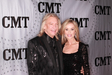 Joe Walsh Marjorie Bach Cmt Artists Of The Year 2017 Arrivals
