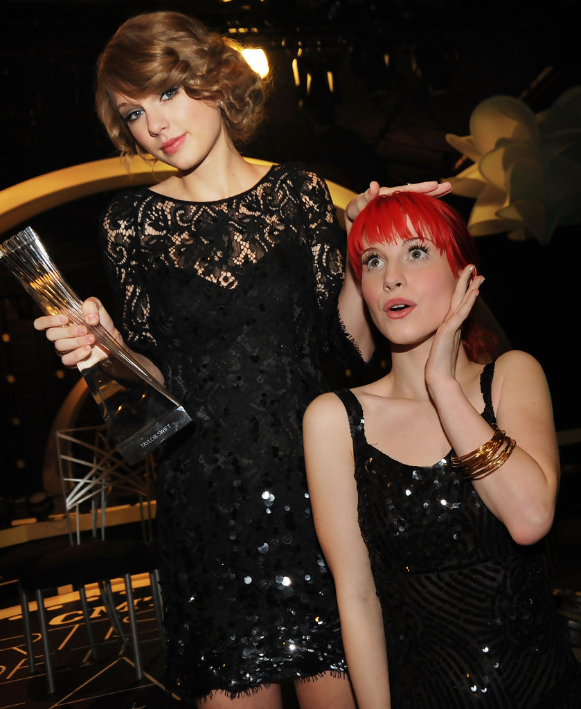 Taylor Swift and Hayley Williams Photos Photos - Zimbio